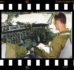 (c)Sentry Aviation News, 20010627_etng_itaf_b707_cockpit2_jvb_mt01.jpg
